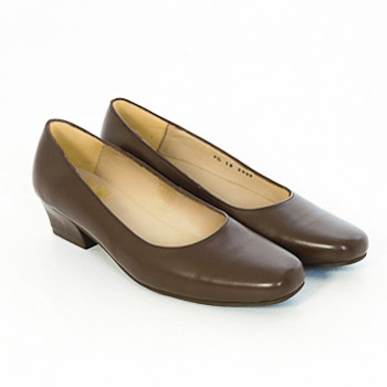 Court Shoes – Brown